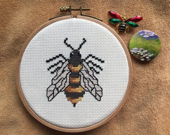 Honey Bee | handmade cross stitch