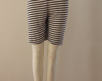 Laterally Striped Shorts (Navy/White)
