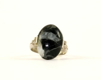 Vintage Black and White Oval Gemstone Ring 925 Sterling Silver RG 1009