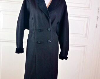 Vintage European Tuxedo Coat, Black Wool and Velvet Midi-Length Double-Breasted Wool Coat, Winter Coat: Size 12/14 (US), Size 16/18 (UK)