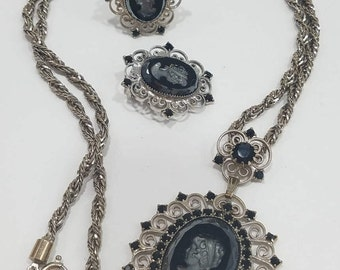 Stunning Intaglio Cameo Pendant & Chain with Matching Clip Earrings