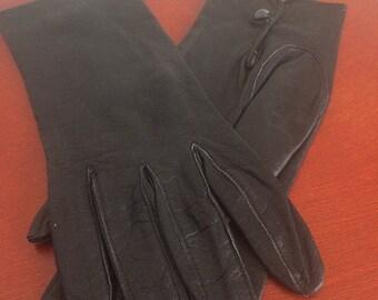 1960s black leather gloves, very elegant!