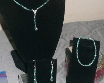Aquamarine crystals and teardrop set