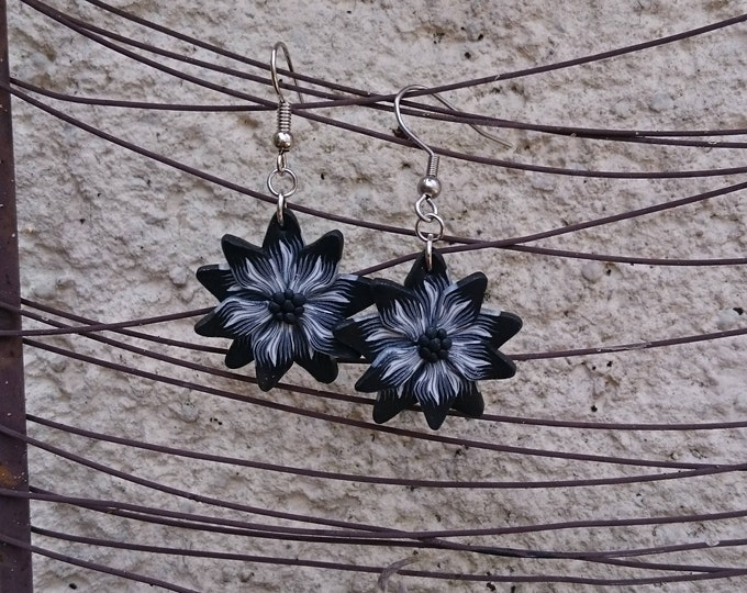 Earrings black and white flowers, polymer clay, silver metal (sculpey) silver-mounted
