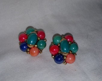 Bright, fun, multi-color vintage clip-on bead earrings.