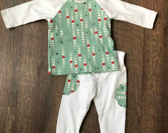 Organic baby outfit/baby clothing/baby boy/baby girl/baby gift/organic clothing/6-9 month clothing