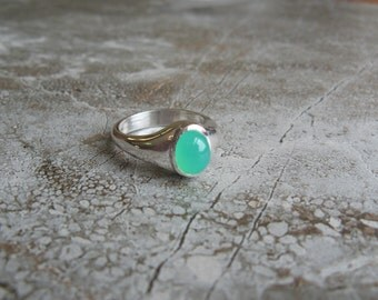 Chrysoprase ring in sterling silver