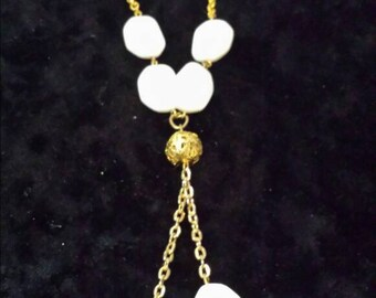 Gold plated necklace with mother of Pearl.