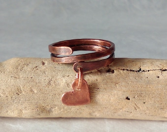 Simple copperwire ring with hanging heart, simple copper ring, hanging copper heart