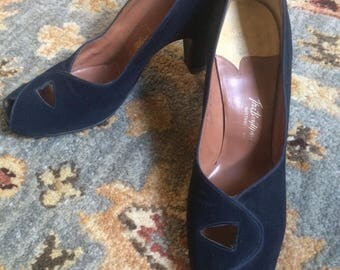 1940s Blue Suede Pumps