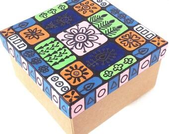 Kraft box Gift boxes Unique gifts Kraft gift box Handmade gift Hand painted box Keepsake box Trinket box Wedding favor Gift box with lid