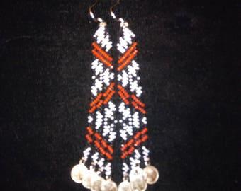 Black and white diagonal weave beaded earrings.