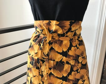 Bistro Style Apron - Ginkgo Golden Leaves