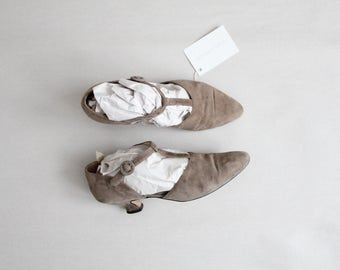 taupe t straps | size 8.5 heels | size 9 t straps