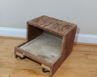 Vintage Rustic Wood Shop Stool Stand Side End Table Wheeled