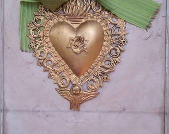 gilt gold metal sacred heart ornament