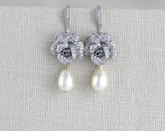 Bridal earrings, Bridesmaid earrings, Wedding jewelry, Pearl drop earrings, Bridesmaid jewelry, Pearl earrings, Crystal earrings, Swarovski