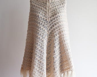 Cream 60s / 70s  BOHO fringe hippie knit poncho shawl OS Small / Medium