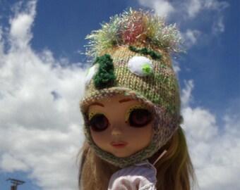 Hand Knit Fuzz Head Monster Helmet for Blythe