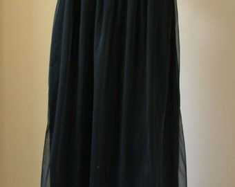 1960s vintage Lorraine black with red floral nightie size small