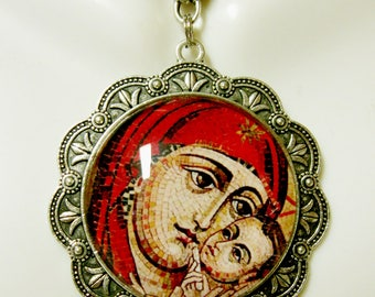 Madonna and child pendant and chain - AP25-095