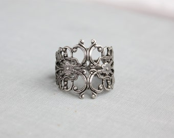 Antique Silver Filigree Statement Ring. Adjustable.