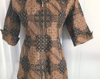 Vintage Tiki-esque Cotton Blouse 3/4 Sleeves, front zipper -- Size M-L