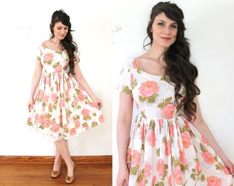 1950s Floral Dress / 50s 60s Floral Pink Peony Rose Print Full Skirt Dress