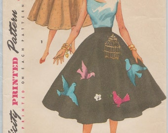 Vintage 50s Sewing Pattern / Simplicity 4884 / Full Circle Skirt With Embroidery Applique Transfer / Waist 26
