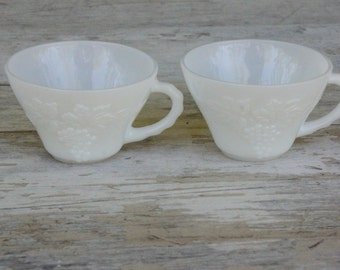 Vintage Milkglass Teacups /Shabby chic/Cottage Chic