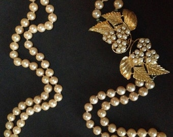 Double Strand Glass Pearl Necklace Signed by Celebrity of New York – 1960s Jewelry