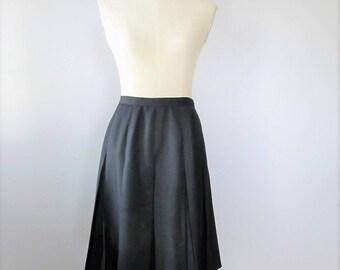 "Vintage 1960's Black Wool Pleated Skirt / Vanity Fair Uniform Preppy School Mid Length Skirt / Size Small 28"" inch Waist"