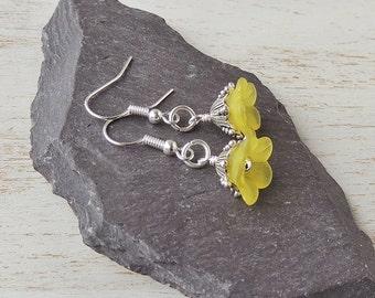 Yellow Flower Earrings, Yellow Lucite Flower Bead Earrings, Yellow Jewellery, Lucite Jewellery, Flower Jewellery, Bead Jewellery,  UK, 1542