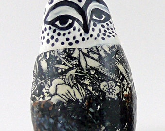 Ceramic Owl Sculpture, Animal Art, Animal Sculpture, Decorative Bird Art, Ceramic Birds, Garden Art, Owls, Small Sculptures, Bird Statues