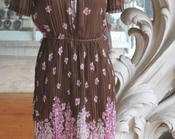 Vintage 1970s Brown Flowers & Stripes Pleated Dress