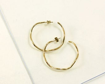 Gold plated earrings, wavy curvy hammered circles, wave shape, handmade in France