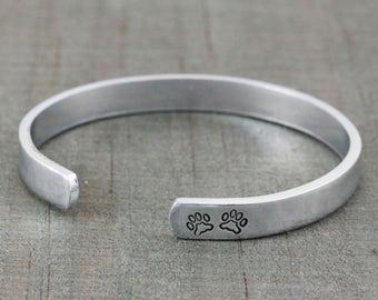 Pet Loss Gifts - Personalized Pet Memorial Jewelry - Pet Remembrance Jewelry - Sympathy Gift - Custom Engraved Bracelet - Rainbow Bridge