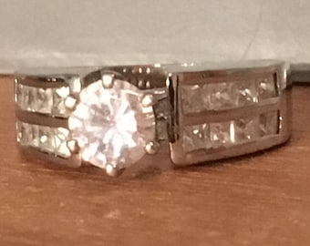 STERLING SILVER Round Cubic Zirconia Cz BLING Ring Heavy 8.1 Grams Size 8.25