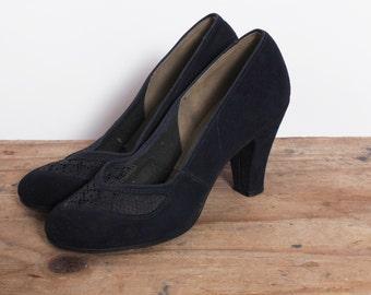 vintage 1940s 40s navy suede Heels / 40s mesh toe heels / navy blue suede heels