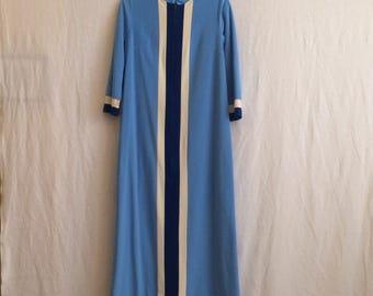 Vintage Vanity Fair velour house coat sz 10