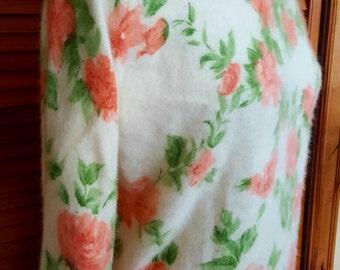 Vintage Sweater by Darlene / Pastel Roses