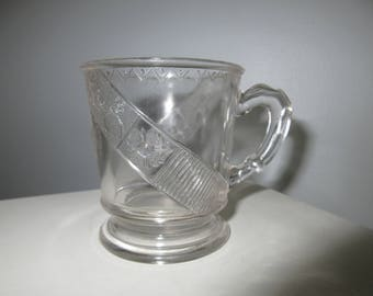 Antique EAPG 1880 daisy pleat mug Toothpick/child's toy mug cup,charming glass,Shabby Chic,tabletop