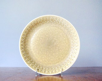 Vintage Nissen Relief Danish Modern Dinner Plate IHQ/JHQ