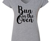 Customizable Bun in the Oven shirt // Pregnancy Annoucement, Family Photo, New baby, I'm Pregnant