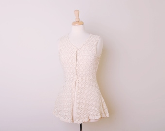 Vintage Cream Lace Top by In Charge, Made in USA, Size Small / ITEM588