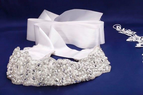 Bridal Sash, Beaded Bridal Belt, Bridal Belts, Jeweled Bridal Belt, Statement Sash, Pearl Bridal Sash, Crystal Dress Sash, Bridal Dress Sash