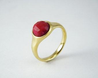 Gold ruby ring Bezel set ring Red ruby ring July brithstone ring Round ruby cabochon ring