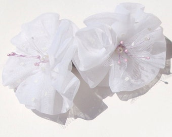 Free shipping/Fabric Flower Shoe Clips / Bridal Party Wedding /Women Shoe Clips in White