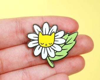 Daisy Kitty Pin Hard Enamel Pin