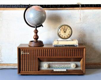 Vintage midcentury radio, Blaupunkt radio,German  Blaupunkt Paris model 22 vintage radio, AM/FM